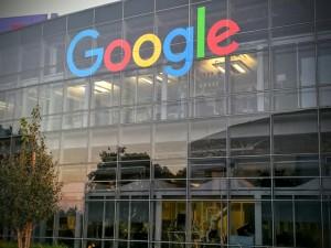 new-google-logo-building-1441194430
