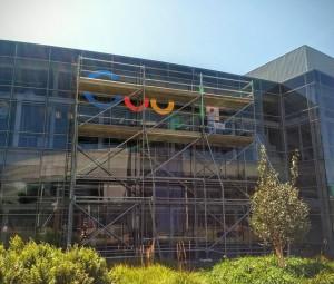 new-google-logo-building-working-1441194430